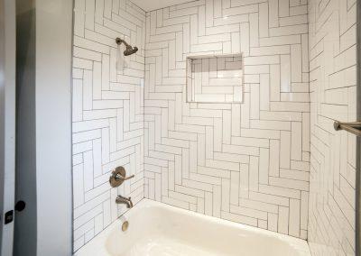 The-Deanwood-bathroom