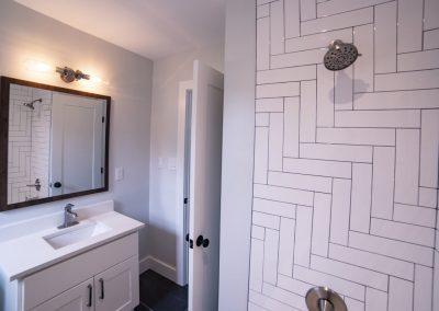 The-Deanwood-bathroom-area