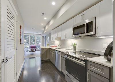 Main Level-Kitchen-_DSC3411
