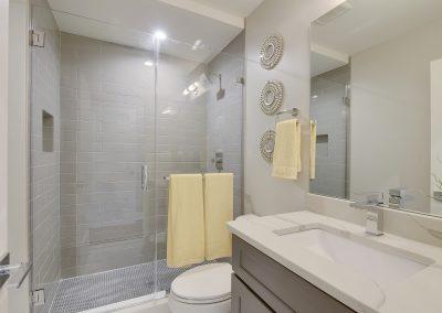 Upper Level-Master Bath-_DSC3498